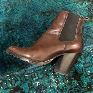 Frye pull on heeled bootie in brown leather